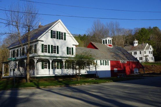 Newfane vt house barn momaney painters for Exterior painting wilmington ma