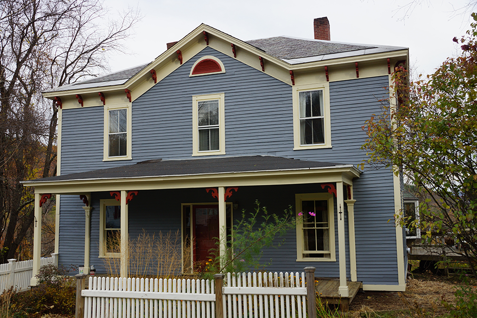 South street brattleboro momaney painters for Exterior painting wilmington ma