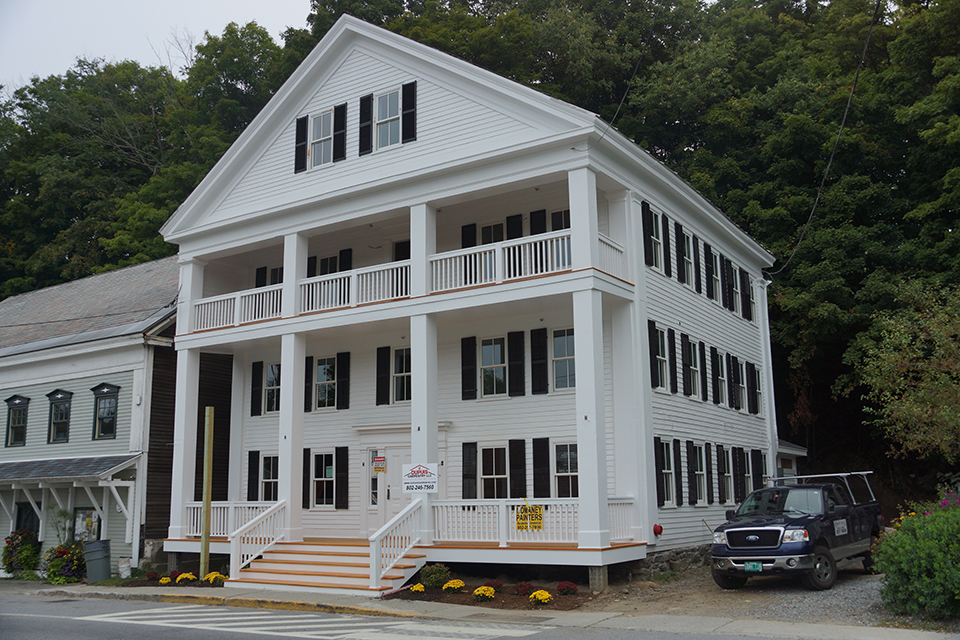 Vermont house wilmington vt momaney painters for Exterior painting wilmington ma
