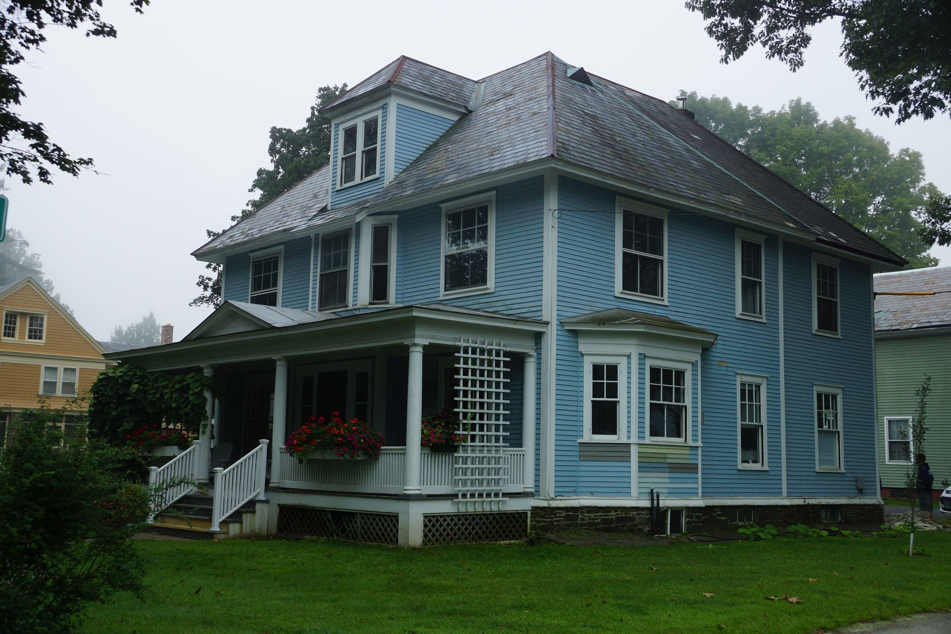 Tyler street 2 brattleboro vt momaney painters for Exterior painting wilmington ma